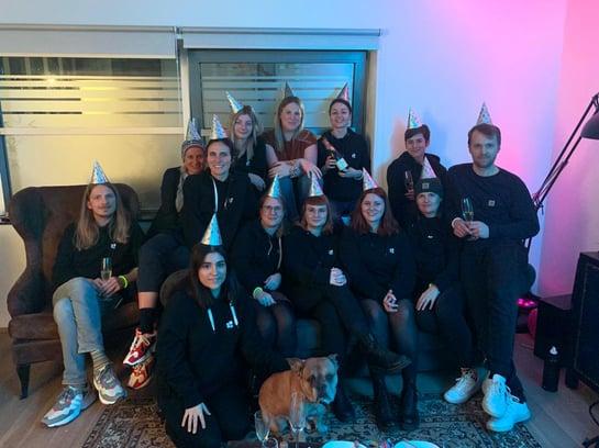 JUNGMUT Team beim Feiern